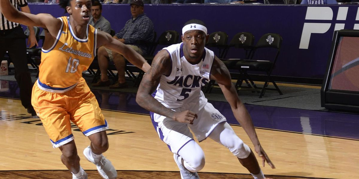 SFA basketball improves to 3-0 after beating LaTourneau