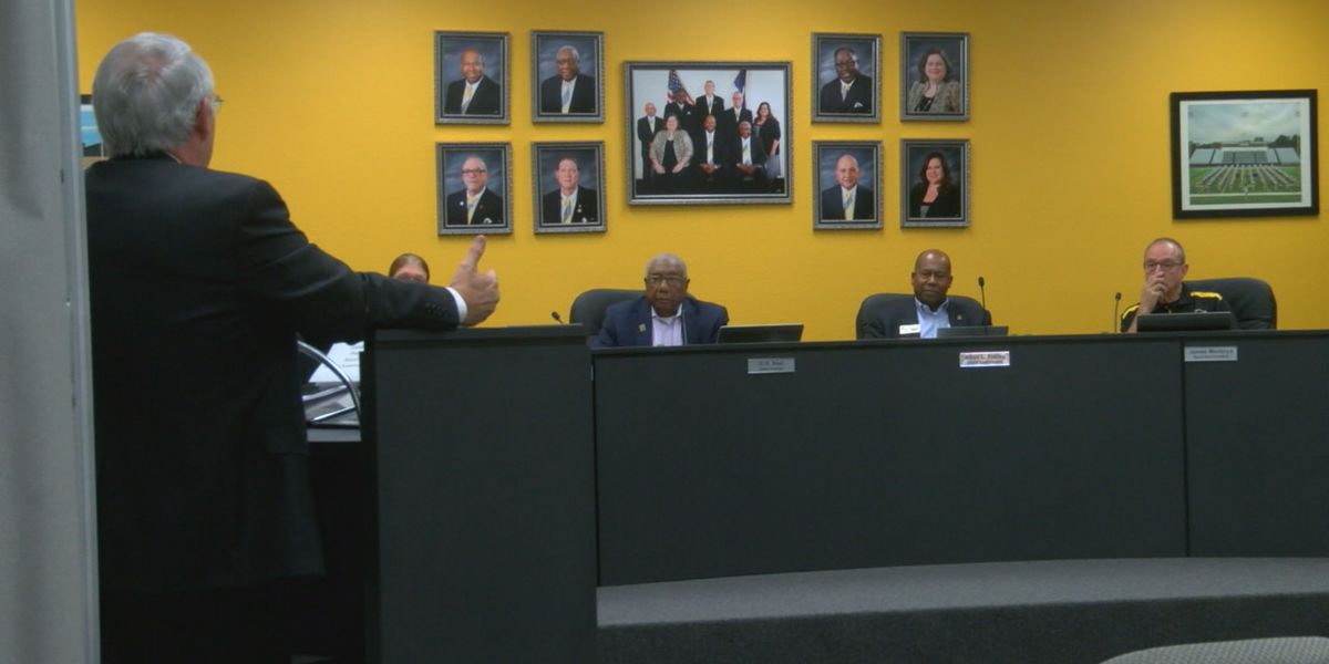 NISD board hears from superintendent search firms