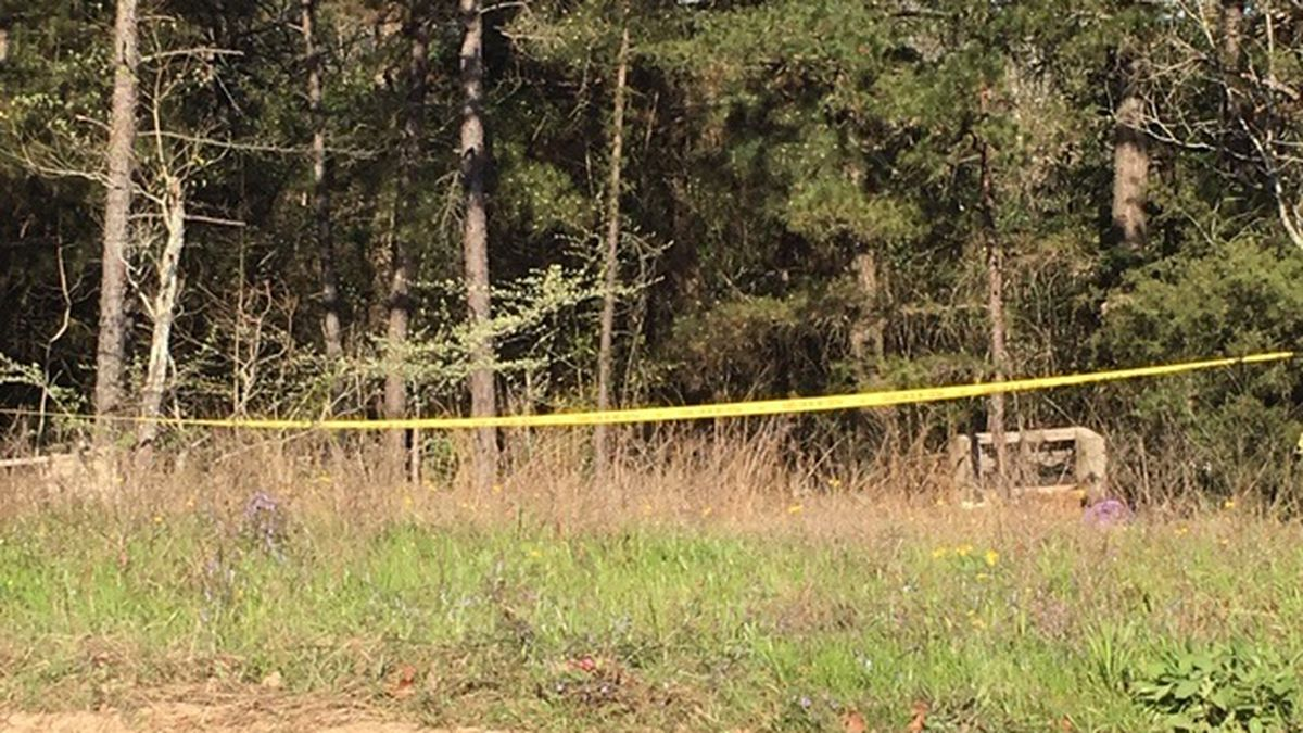Nacogdoches police collect evidence at shooting homicide scene