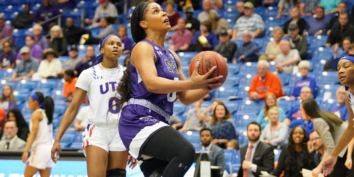 Two SFA basketball standouts sign overseas contracts