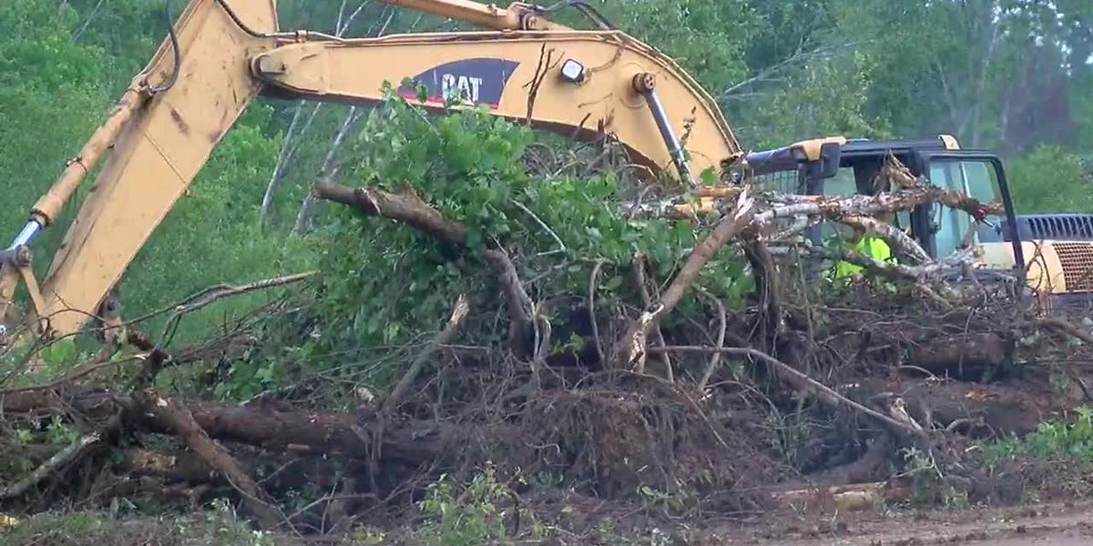 WEBXTRA: TxDOT continues clean-up after Alto tornadoes
