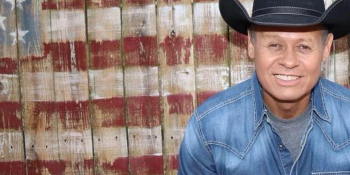 Neal McCoy to recite Pledge of Allegiance for 1000th time
