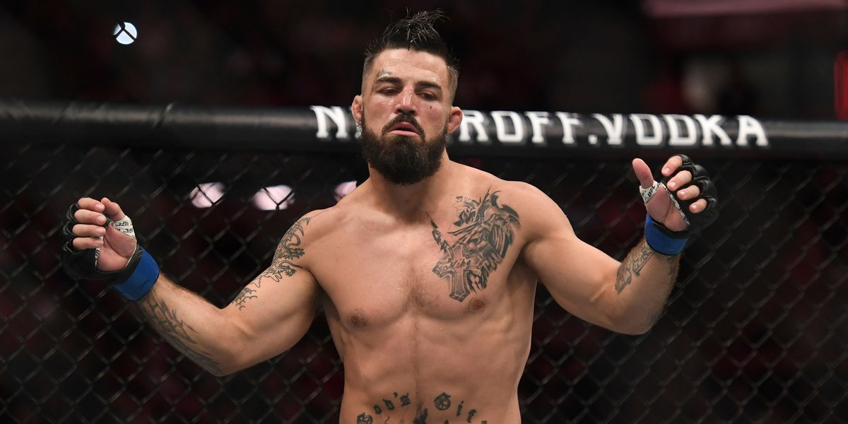 WATCH: UFC fighter Mike Perry uses racial slurs, throws punches at Lubbock, Texas, restaurant