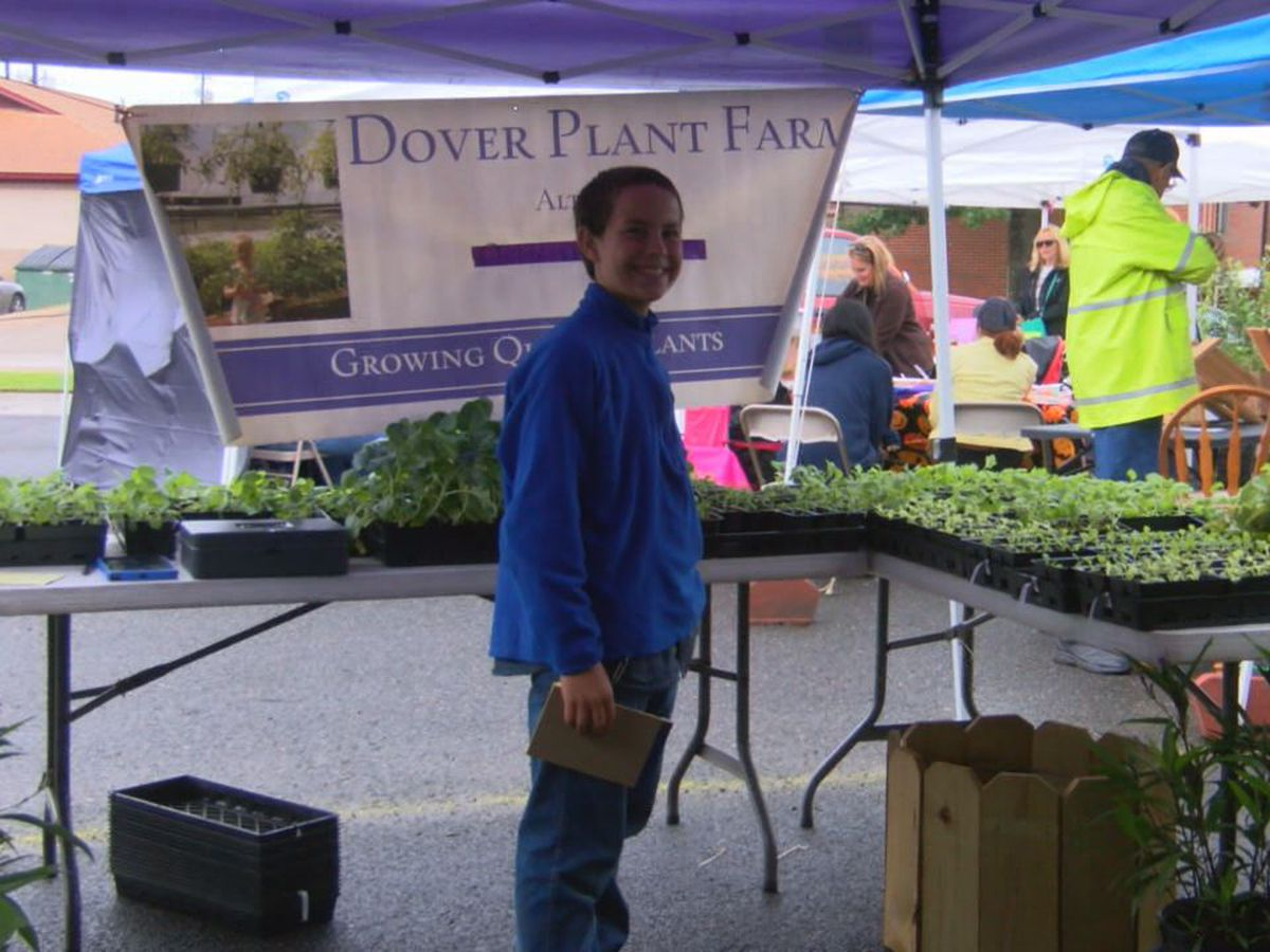 Nacogdoches Farmers Market fall fling well attended despite dreary weather