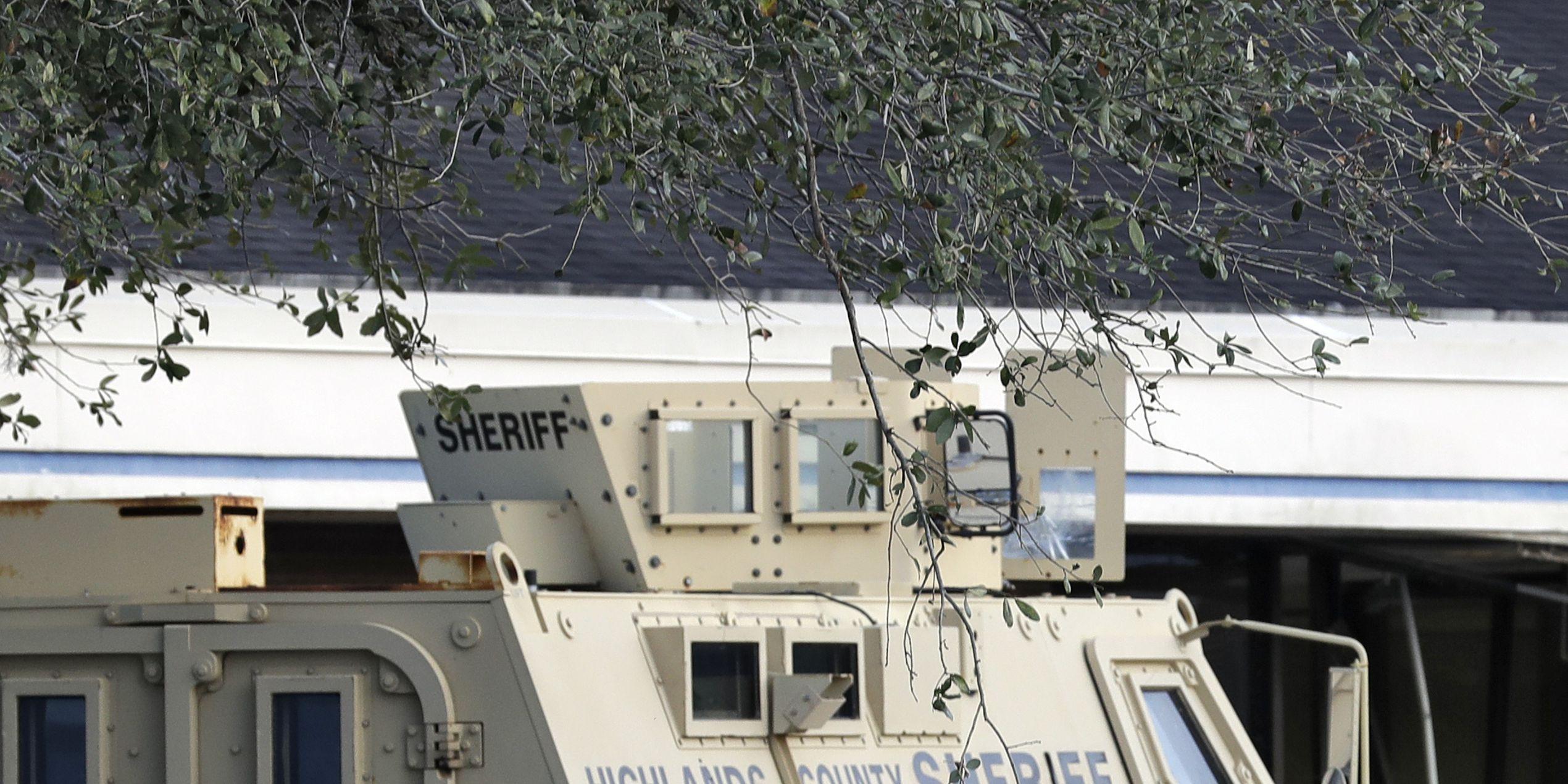 Police describe execution-style killings inside Florida bank, say attack was random act
