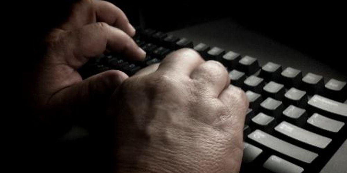 Senators ask for drug-trafficking information on dark web