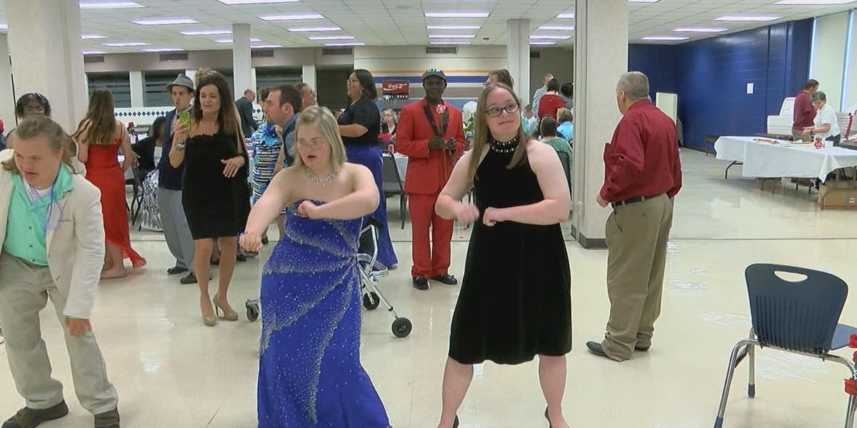 Prom for people with special needs attracts dozens in Piney Woods