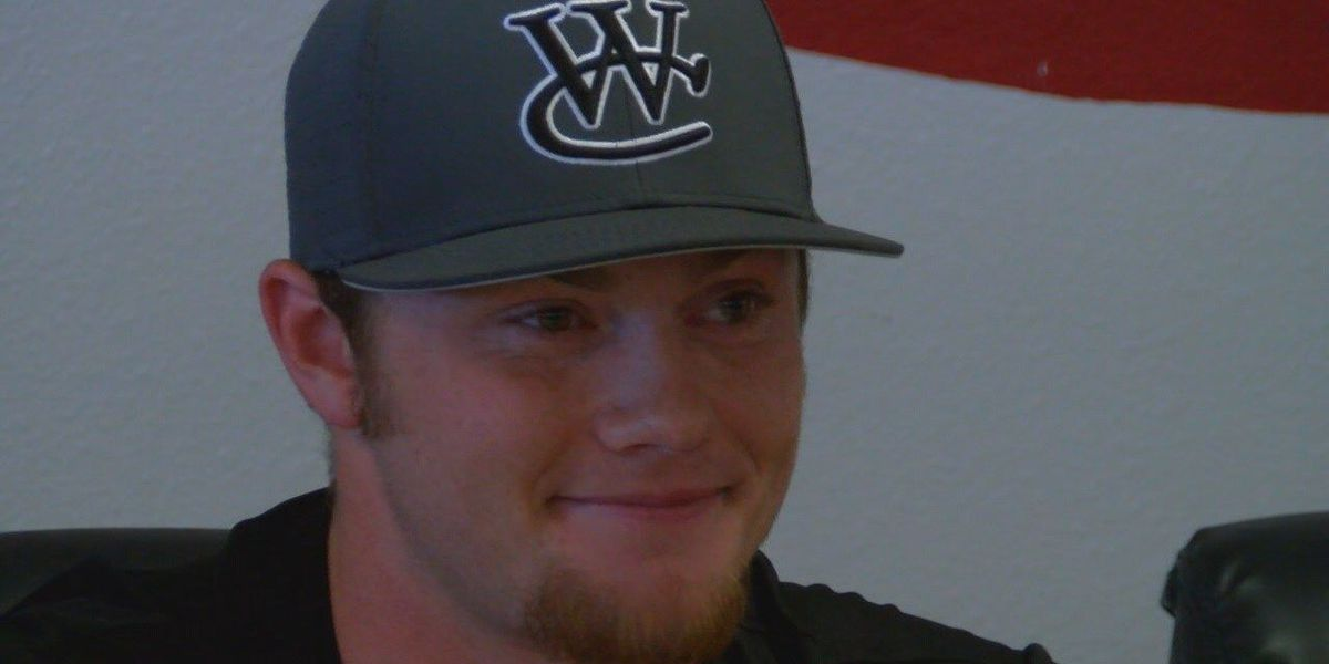 Trapper Dickey becomes Huntington's first baseball signee in 5 years