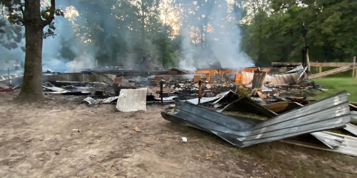 Community rallies around Sabine Co. family of 8 after house fire