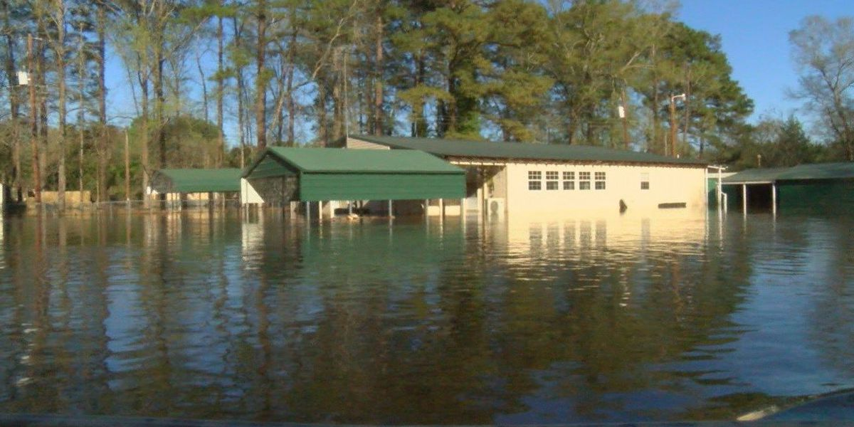 Parts of Shelby County underwater; Sabine River closed to boat traffic