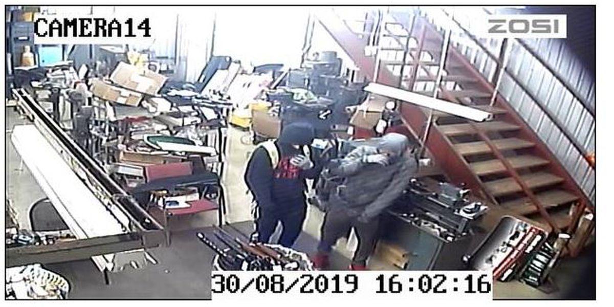 VIDEO: Hooded men break into Van Zandt County gun business; reward offered