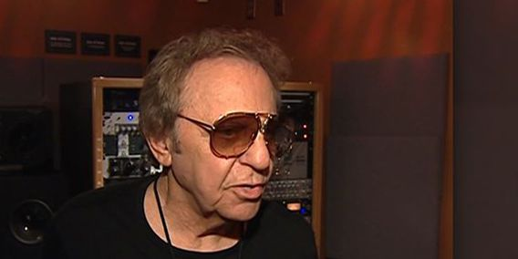 Drummer Hal Blaine, who played on hits of Sinatra and Elvis, dies
