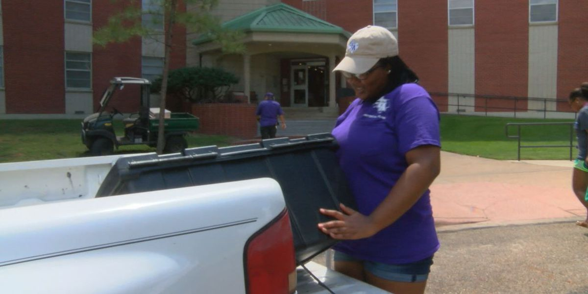 Hurricane Harvey brings in early arrival of SFA students