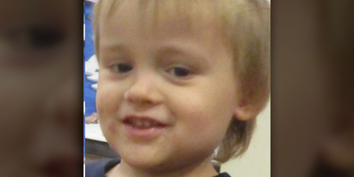 Sheriff: Mother of missing 3-year-old turns child over to deputies at attorney's office