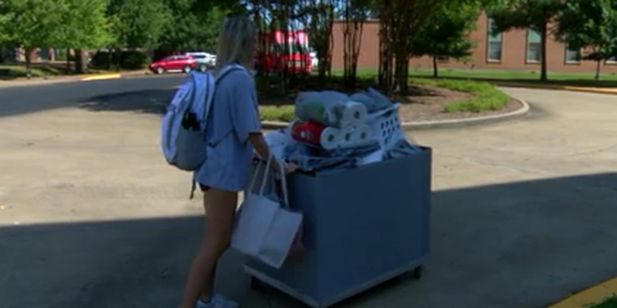 Freshman move-in day dramatically different due to COVID-19 precautions on SFA campus