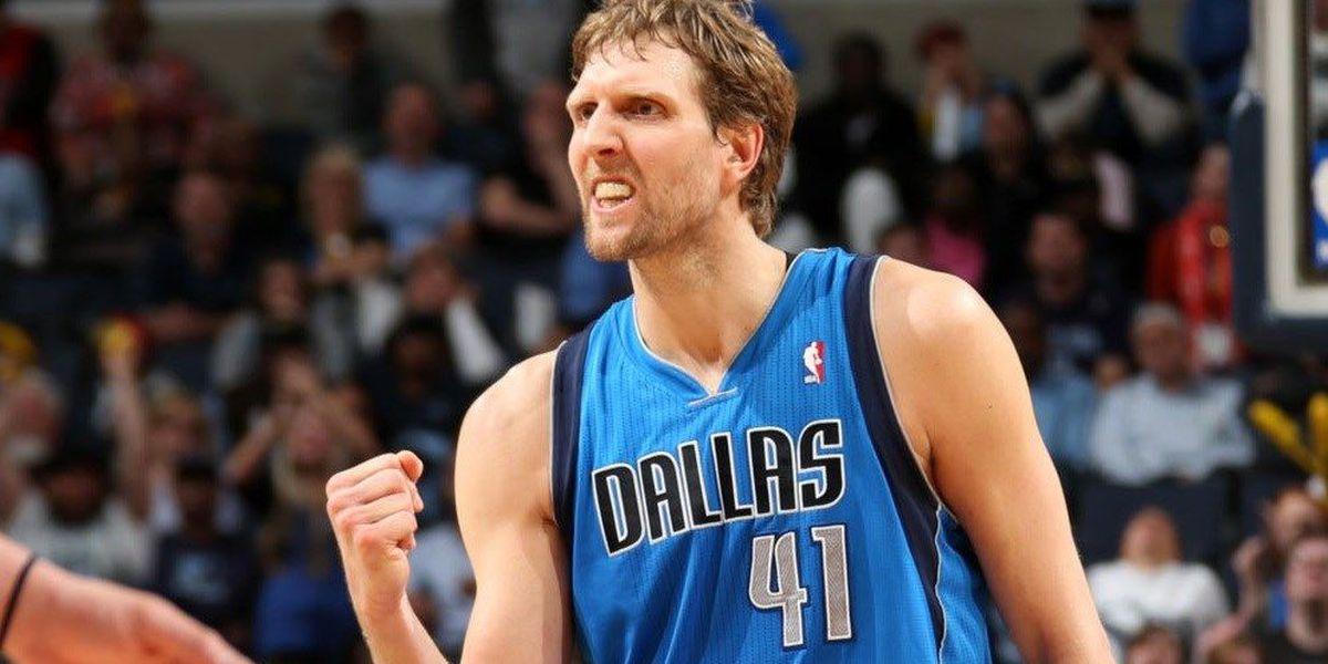 Dirk Nowitzki signs 2-year, $40 million deal with Dallas Mavericks