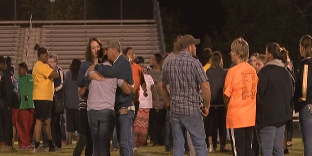 Alto gathers to mourn loss of football player Cam'ron Matthews