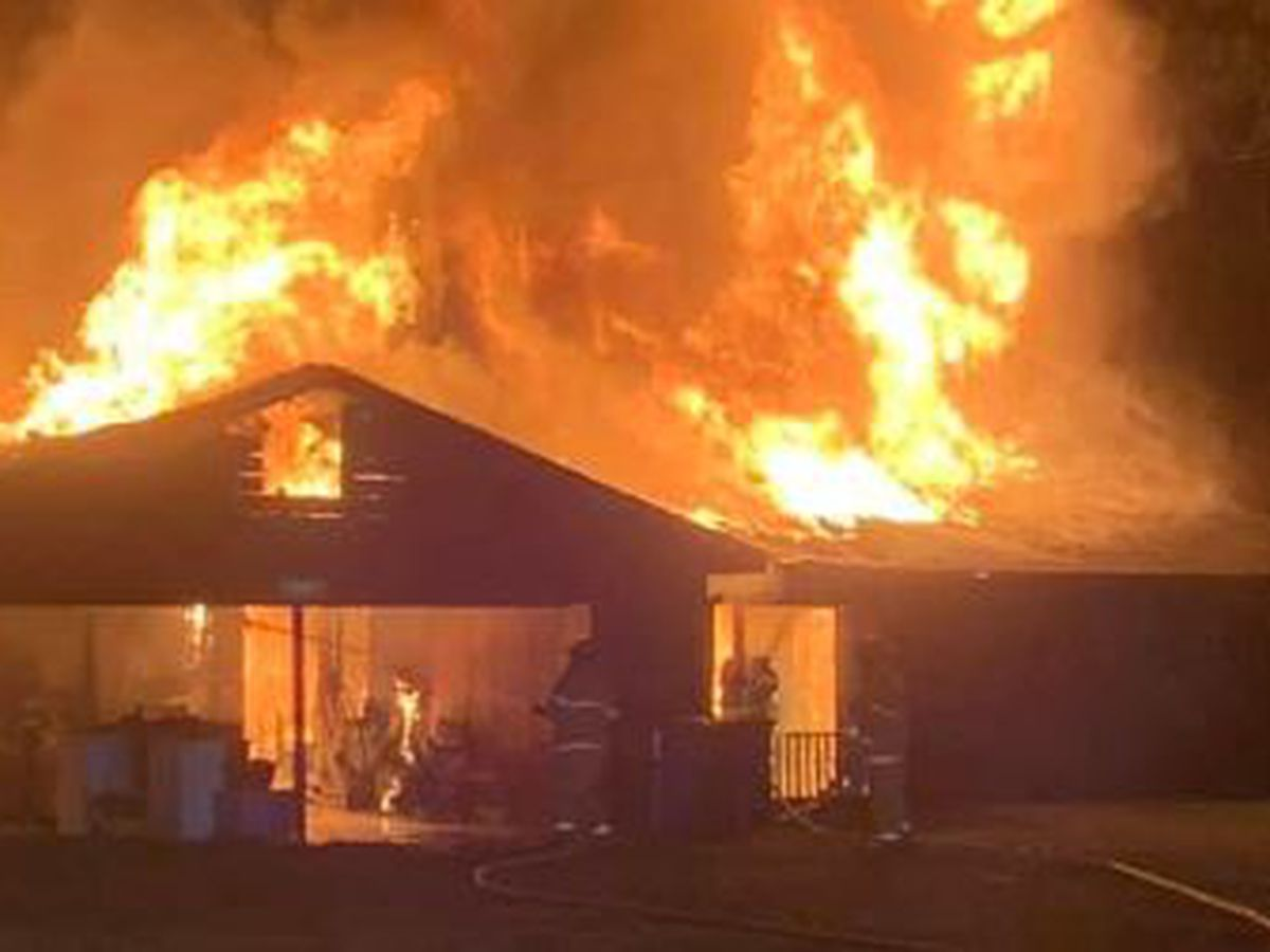 Jasper Co. firefighter hurt after overnight fire destroys home