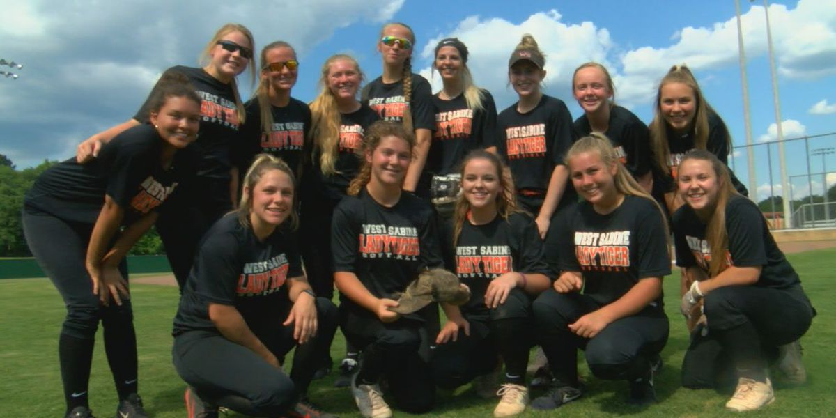 Playing for Pa: West Sabine softball on a mission to honor biggest fan