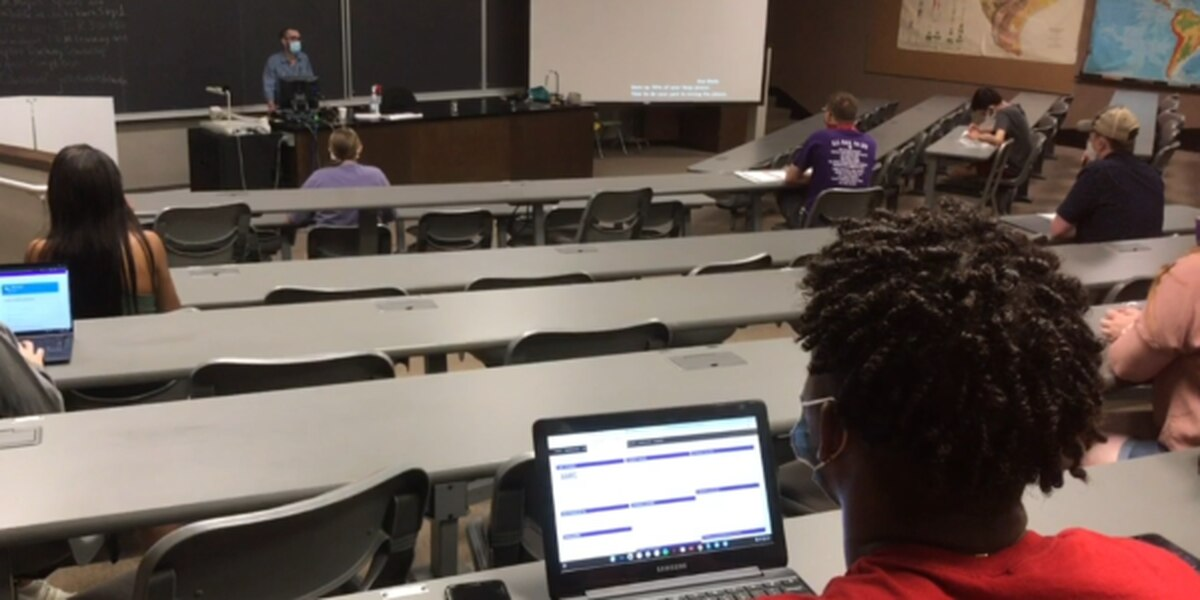 SFA welcomes students back for first day of classes on campus