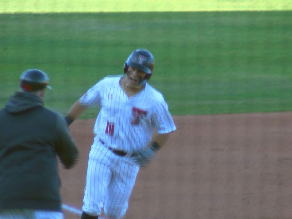 No. 8 Texas Tech red hot in Red Dirt Rivalry, topping OU 14-4