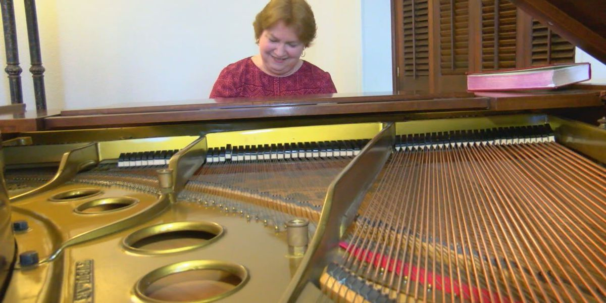Nacogdoches church donates 100-year-old piano for use at Old University Building