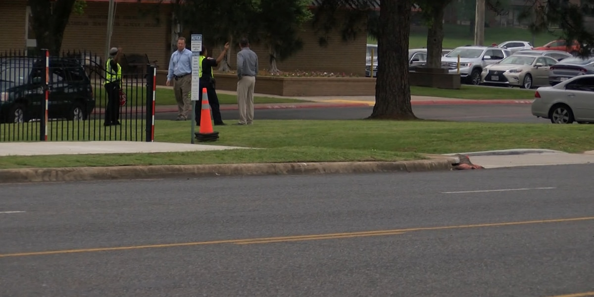 Texarkana crossing guard injured while on duty in second incident this school year