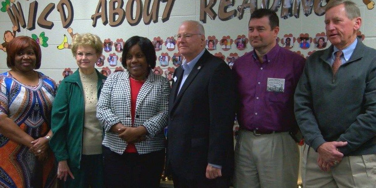 Lufkin elementary school reading mentors recognized for years of service