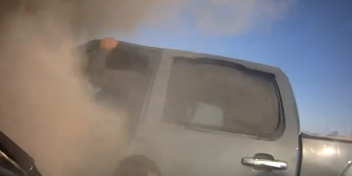 VIDEO: Good Samaritans help Kaufman County deputy rescue driver from vehicle fire