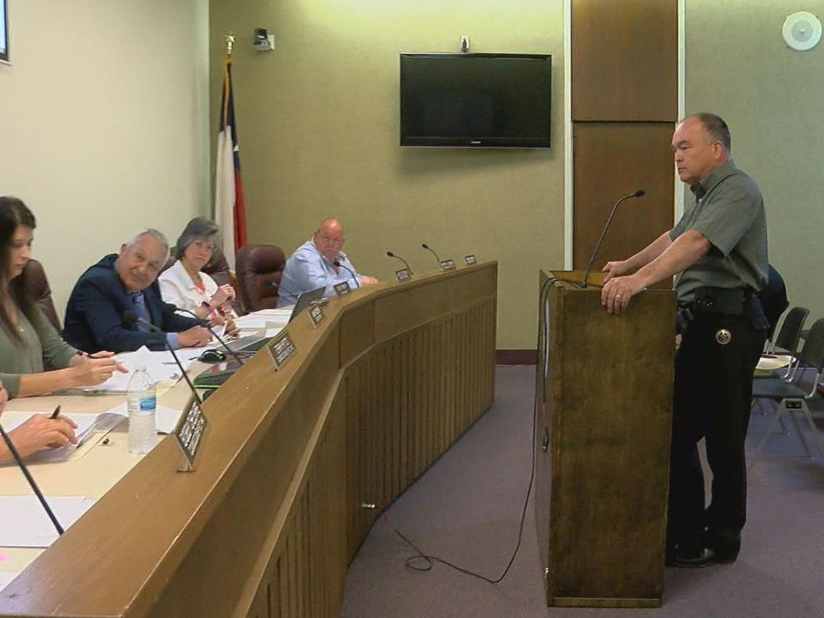 Commissioners approve Angelina County Sheriff's Office to accept funds for 911 operations