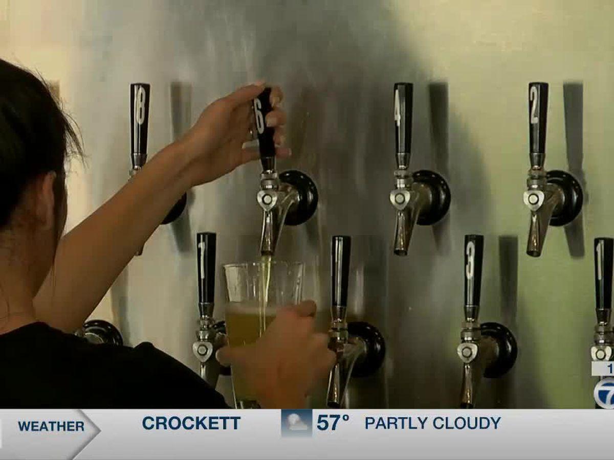 Gov. Abbott signs 'alcohol to-go' bill