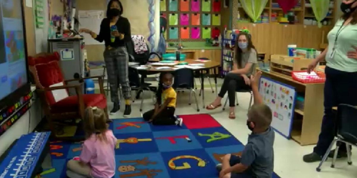 Elementary school in Nacogdoches holds last first day of school at current location