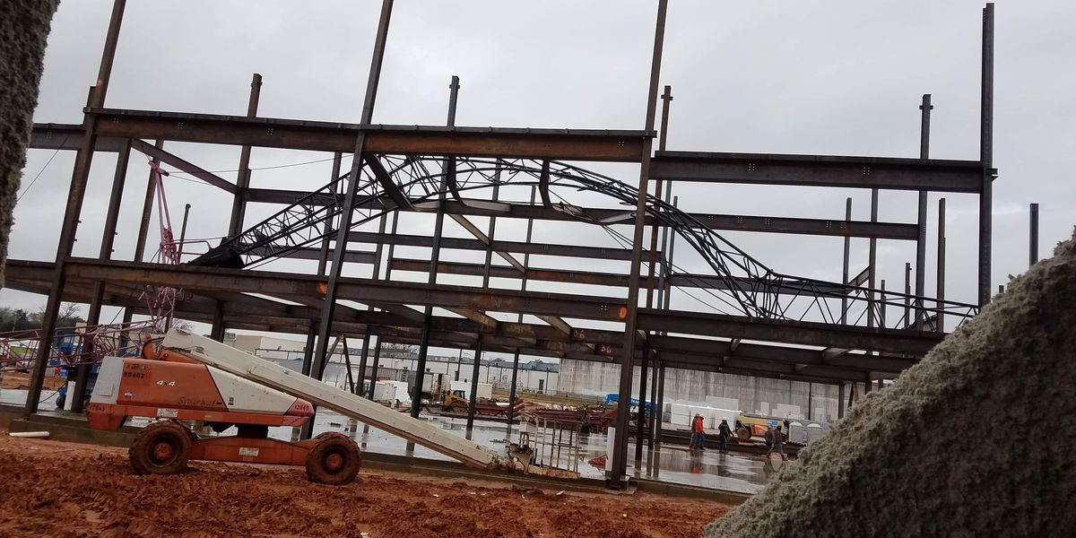 Contractor: Crane collapse at Robert E. Lee possibly due to mechanical malfunction