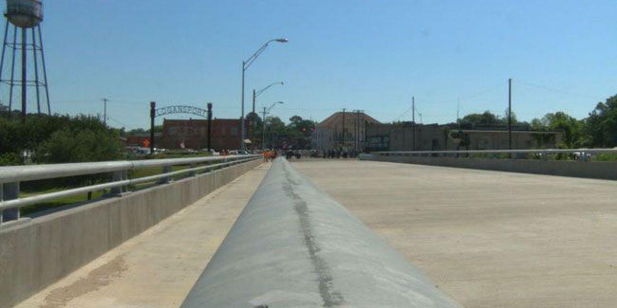 Ceremony marks completion of westbound Sabine River Bridge between Joaquin, Logansport