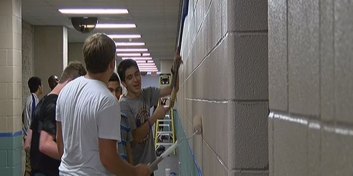 Lufkin soccer team does maintenance work at high school for state ring funds