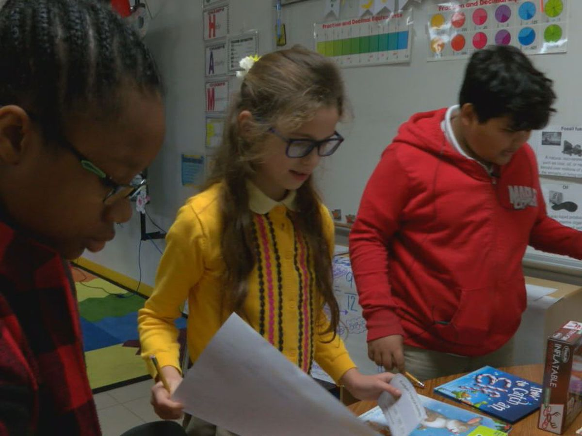 Raguet Elementary fifth graders in Nacogdoches learn financial literacy during holiday buying season