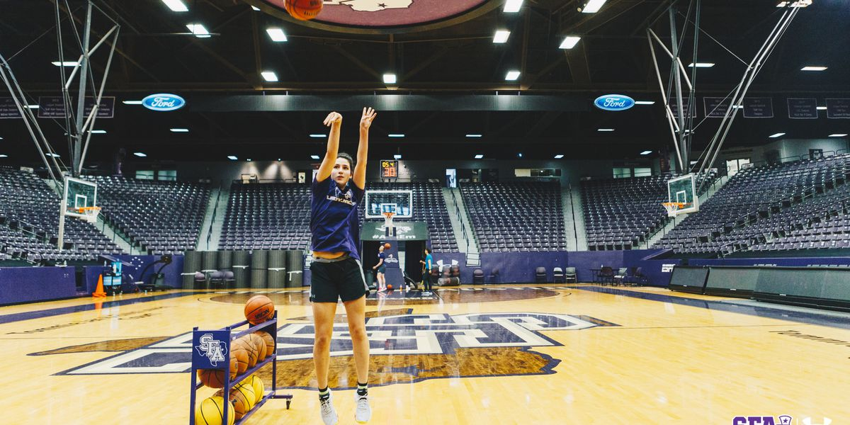 SFA's Marissa Banfield set to compete at State Farm College Dunk and 3 Point Championships
