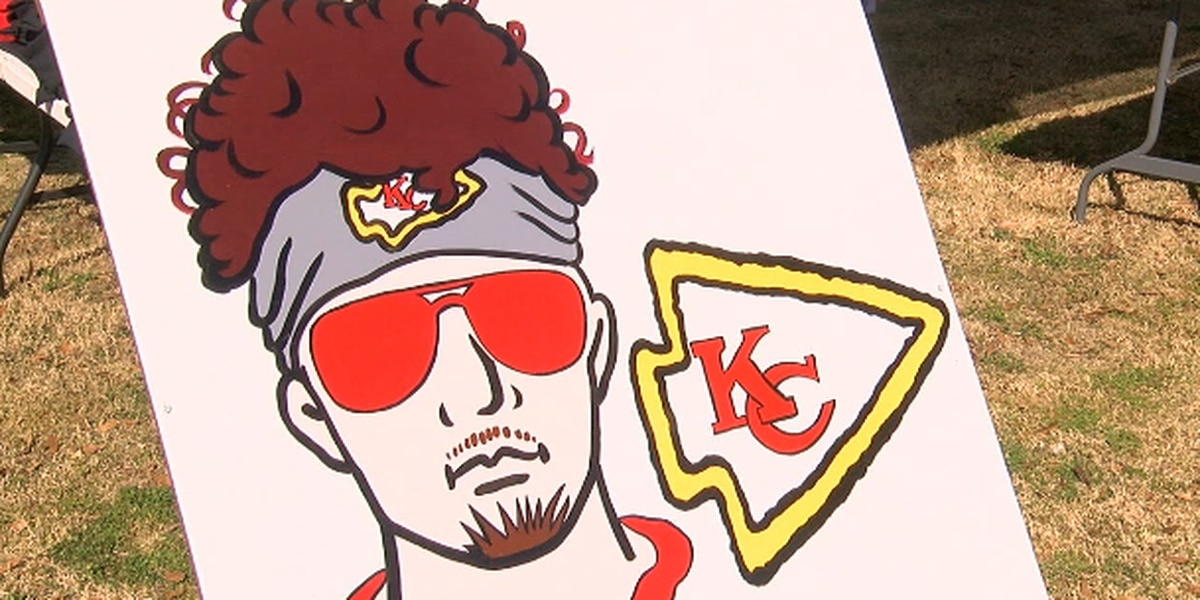 Mahomes Mania sweeps through hometown of Whitehouse