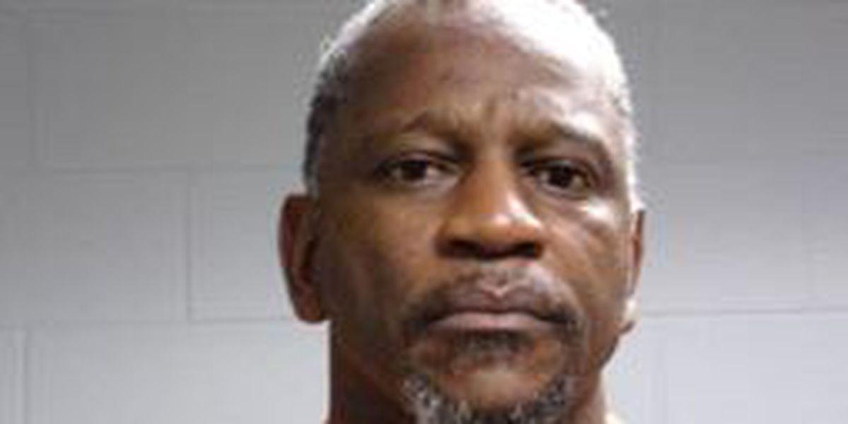 Sheriff's Office: Livingston man held estranged girlfriend against her will, beat her
