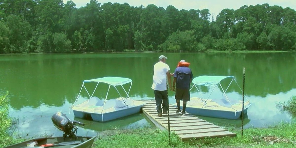 Ellen Trout Zoo adds paddle boats to lake