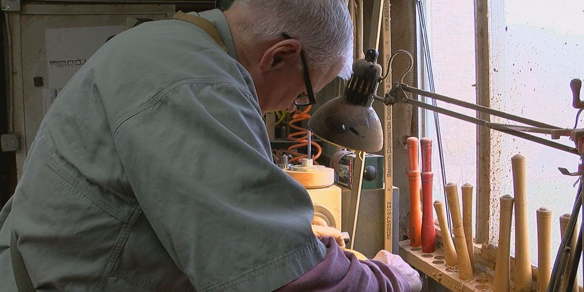 Nacogdoches police chief finds fulfillment through wood work