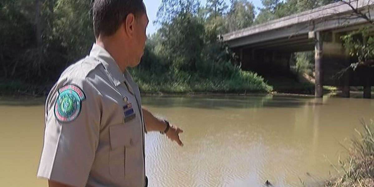 Father and son rescued while boating in Neches River
