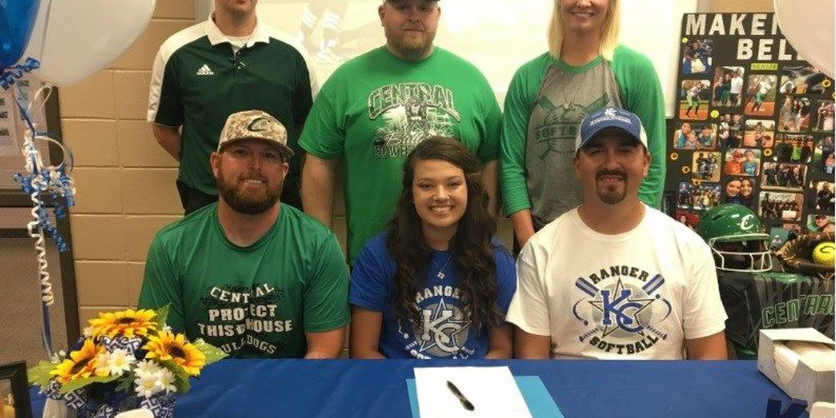 Central's Makenna Bell signs with Kilgore College
