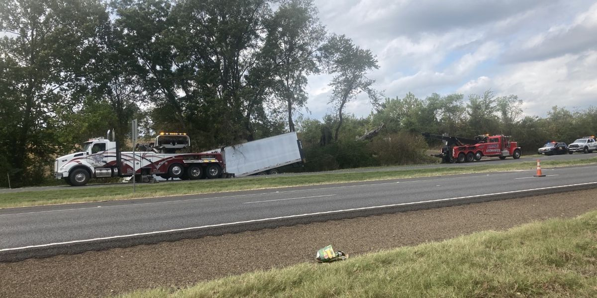 DPS identifies 52-year-old man who died in 18-wheeler wreck north of Alto