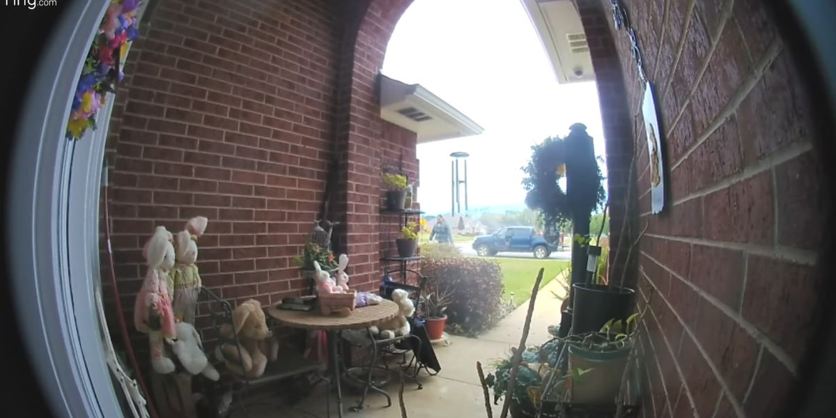 Henderson Police seeking assistance in residential bench theft