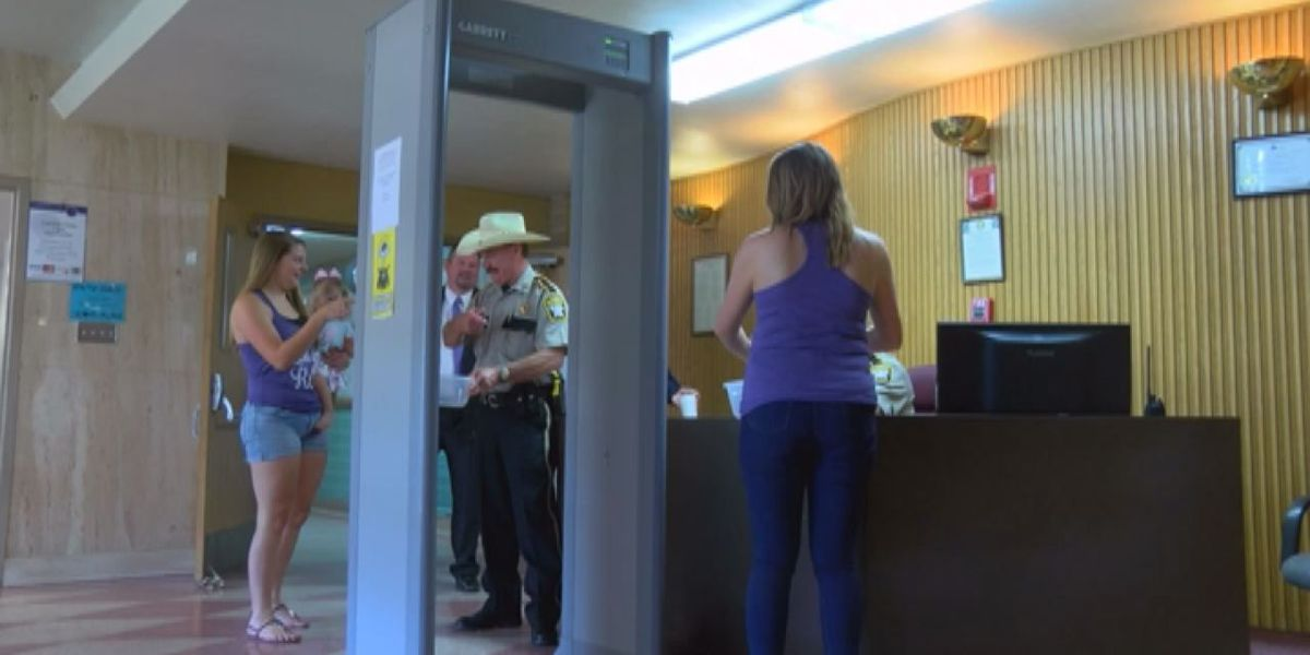 Open-carry group targets Angelina County Courthouse gun restrictions