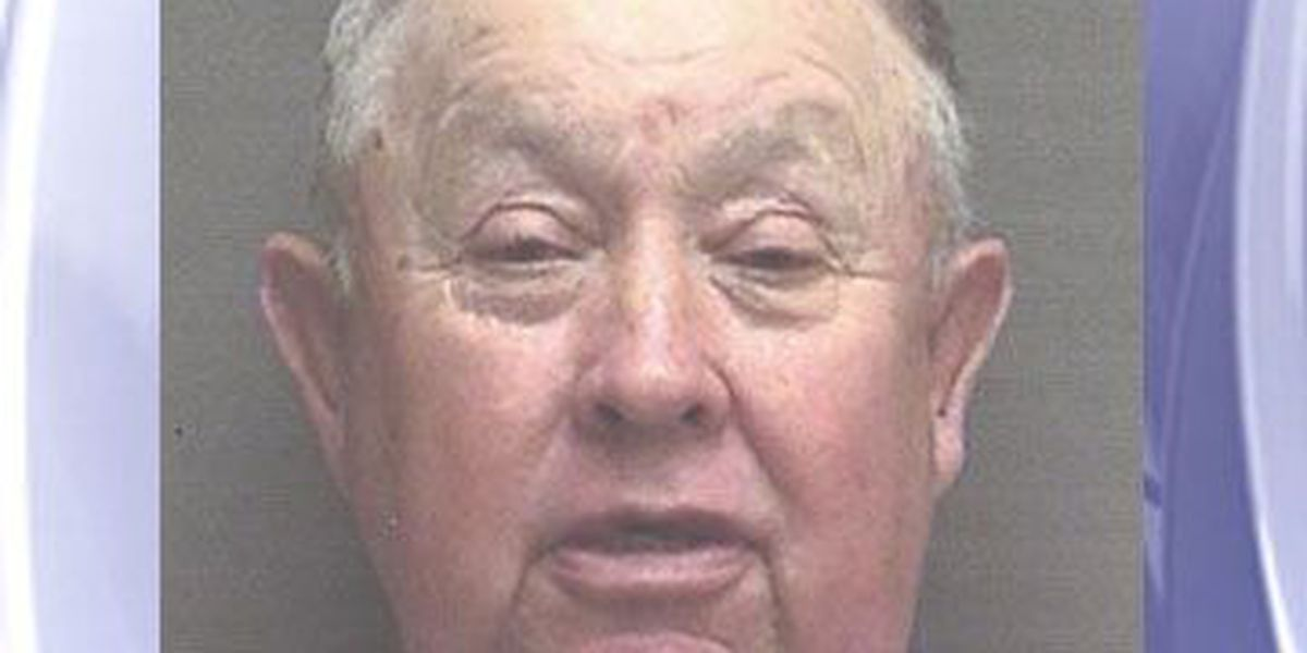 Sabine Co. grand jury indicts former constable on assault, burglary, evasion charges