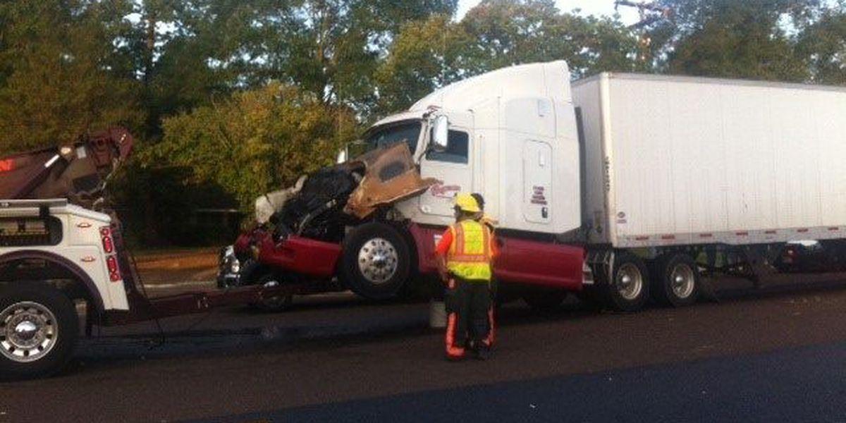 18-wheeler wreck slows traffic in US-59 work zone north of Lufkin