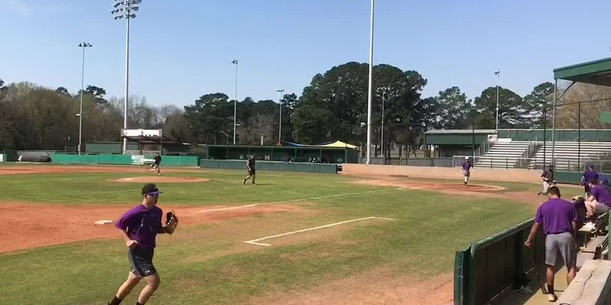 WEBXTRA: SFA baseball off to 6-0 start in conference play