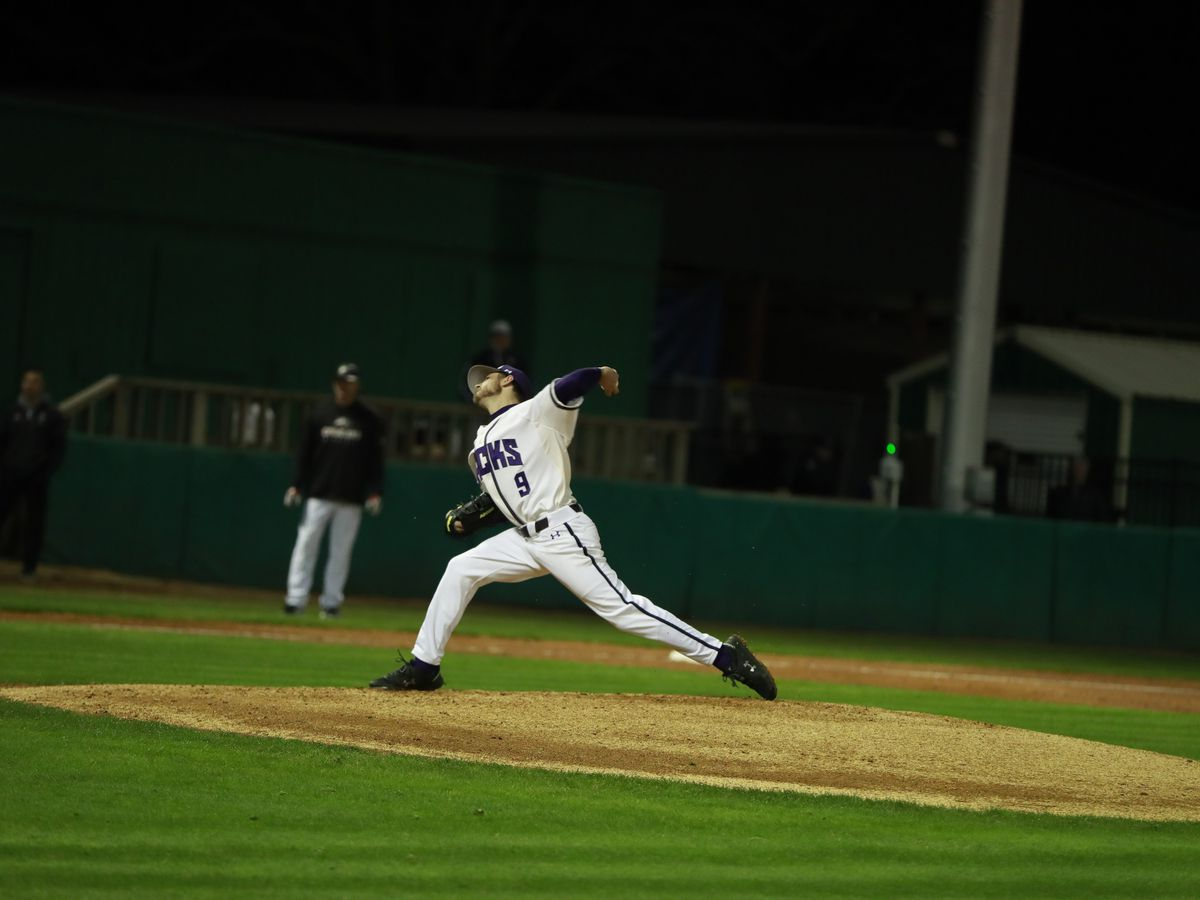 SFA baseball picks up first home win of the season